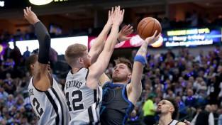 """Bertāns: """"Popovičs teica: NBA vari spēlēt ar uzbrukumu, šajā komandā - ar aizsardzību"""""""