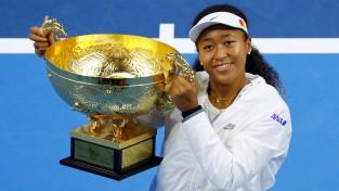 Osaka apsteidz Serēnu un kļūst par pasaulē pelnošāko sportisti