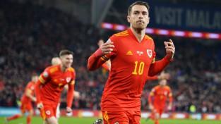 """Remzijs ar """"dubli"""" izrauj Velsai vietu """"Euro 2020"""", igauņi Amsterdamā ielaiž piecus"""