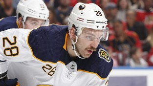 Arī NHL aptur sezonu, taču cer to atsākt un pasniegt Stenlija kausu