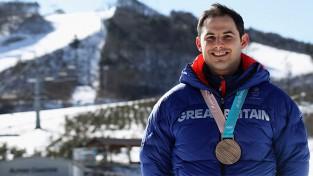 Dukuru aiz olimpiskā pjedestāla atstājušais Pārsons liek punktu karjerai