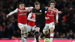 """Ar """"Man City"""" un """"Arsenal"""" dueli 17. jūnijā atsāksies Anglijas Premjerlīga"""