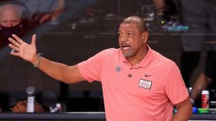 """Denveras atvadu sveiciens Losandželosai: """"Clippers"""" šķiras no trenera Riversa"""