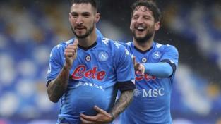 ''Napoli'' <i>sarauj gabalos</i> ''Fiorentina'', ''Sassuolo'' izrauj neizšķirtu pret pastarīti