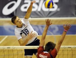 Egleskalns jau Latvijā, gatavojas pludmales volejbola sezonai
