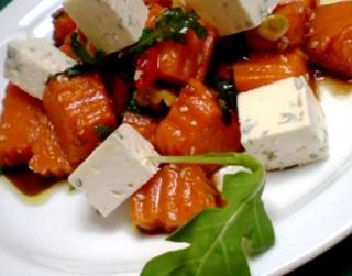 Ķirbju, rukolas un zilā siera salāti