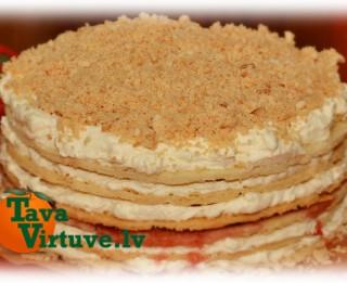 Fotorecepte: Trauslā Jaungada torte