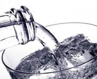 Cik daudz un kā drīkst dzert ūdeni treniņa laikā