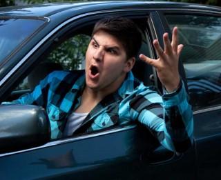 Dusmas traucē autovadītājam skaidri domāt un piespiež kļūdīties