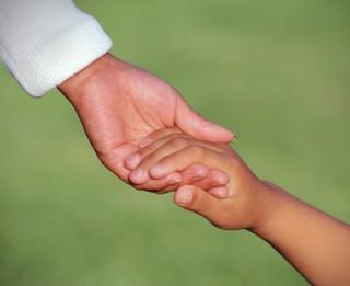 Vāks ziedojumus 140 smagi slimu bērnu ārstēšanai un rehabilitācijai