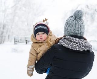 Kā ģērbt mazuli, kurš mācās staigāt?