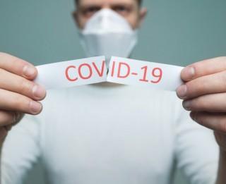 """Kādēļ reizēm izturamies pret ar koronavīrusu saslimušajiem kā """"izraidītajiem""""?"""