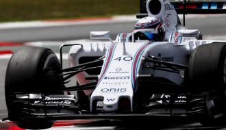 Foto: Testos Spānijā pie šī gada F1 bolīdu stūres sēžas jaunie talanti