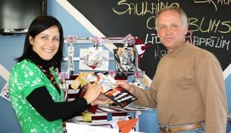 """""""Brauc uz PČ hokejā pie Šuplera"""" uzvarētājs uz Bratislavu ņems līdzi sievu"""