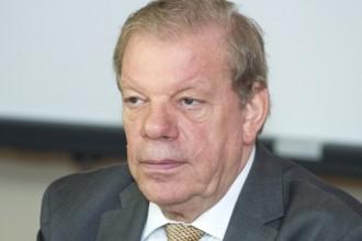 Lipmans pārliecinoši pārvēlēts LHF prezidenta amatā