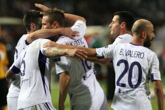 """""""Fiorentina"""" trešā uzvara, """"Napoli"""" un Kijevas """"Dinamo"""" pirmie zaudējumi"""