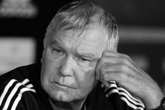 Miris brāļu Kļičko un citu boksa čempionu treneris Zduneks