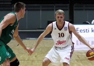 """Foto: """"Barons kvartāls"""" basketbolisti pirms sezonas pārbauda spēkus Tallinā"""