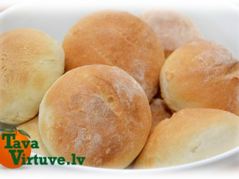 Fotorecepte: Mazās maizītes soli pa solim
