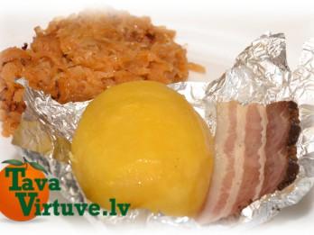 Fotorecepte: Folijā cepti kartupelīši soli pa solim