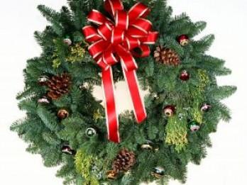 Pamācība Ziemassvētku durvju vainadziņa izgatavošanai