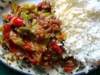 Kabaču un paprikas sautējums ar gaļu
