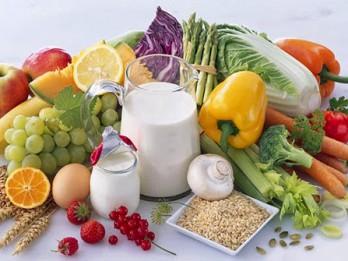 """50 """"LABVĒLĪGIE"""" produkti, kas satur mazāk par 100 kalorijām"""