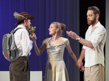 """Liepājas teātrī pirmizrādi piedzīvo traģikomēdija """"Mīlestības neprāts"""""""