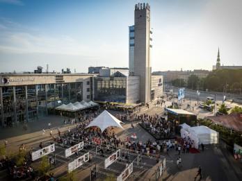 """Latvijas Nacionālais simfoniskais orķestris pirmo reizi koncertē """"Origo""""  laukumā"""
