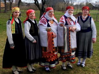 """Latvijas Etnogrāfiskā brīvdabas muzejā tiks atvērta grāmata """"Rucavnieku apģērbs cauri laikiem. 19. gs. – 20. gadsimta sākums"""""""