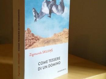 """Zigmunda Skujiņa romānu """"Miesas krāsas domino"""" ar sajūsmu uzņem Itālijā"""