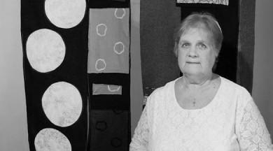 Mirusi tekstilmāksliniece Aina Muze