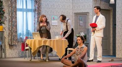 """Valmieras teātris ar komēdiju """"Nepabeigtās kāzās"""" dodas viesizrādēs"""