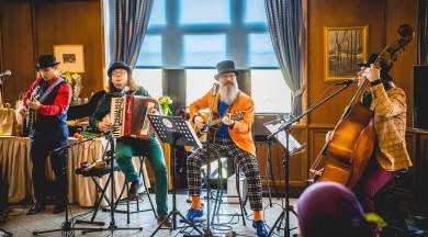 """""""Ducele"""" Rīgas centrā nosvin otrā albuma izdošanu un grupas 25 mēnešu jubileju!"""