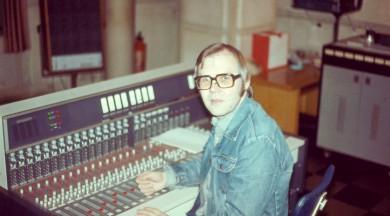 Balvu Zelta Mikrofons par mūža ieguldījumu saņems skaņu režisors Kārlis Pinnis un dzejnieks Viks