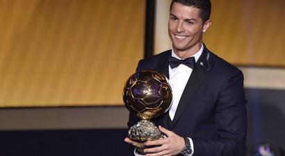 "FIFA ""Ballon d'Or"" otro gadu pēc kārtas saņem Ronaldu"