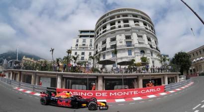 """""""Red Bull"""" piloti ātrākie pirmajā F1 treniņā Monako"""