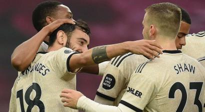 """""""Man United"""" sakauj """"Aston Villa"""" un pietuvojas Lesterai līdz minimumam"""