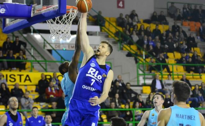 """Dāvis Rozītis pagarina līgumu ar """"Ourense"""" un turpinās spēlēt Spānijā"""