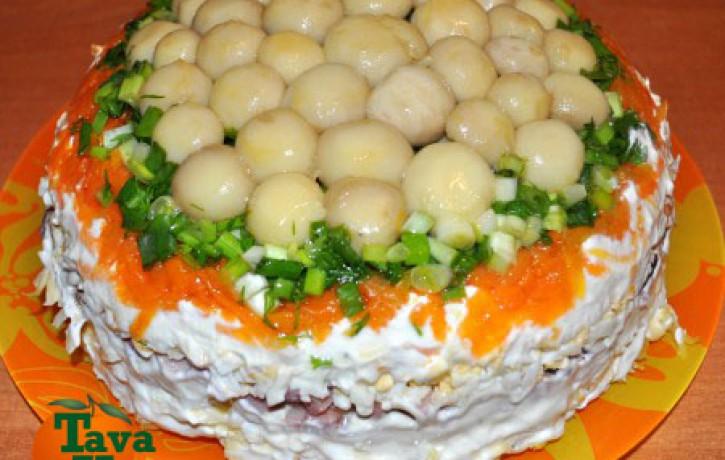 Sāļā torte ar marinētiem šampinjoniem