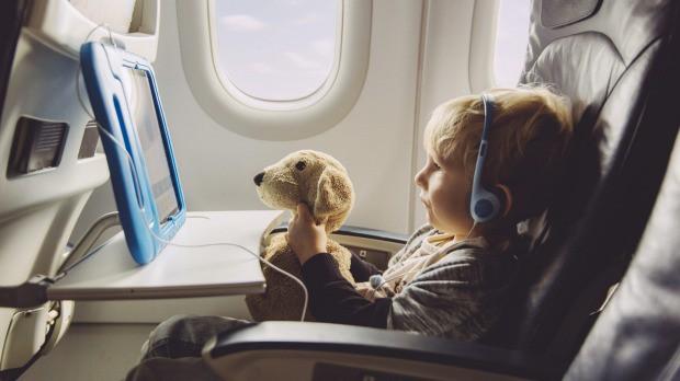 Pilnvara bērna patstāvīgai izceļošanai – kas jāzina vecākiem?