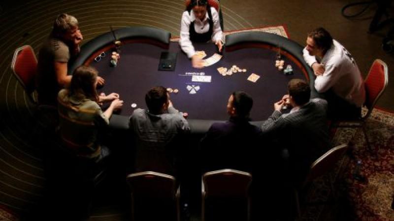 Lauris Dārziņš pie pokera galda
