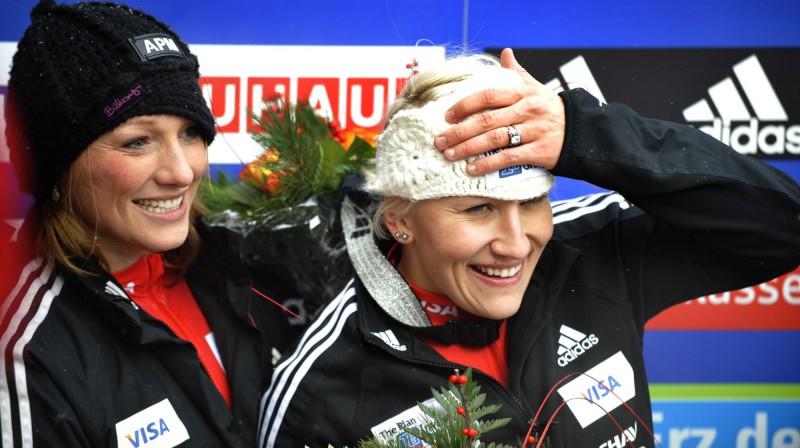 Kanādas bobslejistes Hītera Moisī un Kailija Hamprīsa Foto: AP/Scanpix