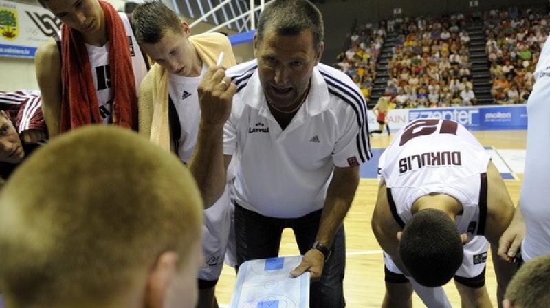 Ziedonis Jansons minūtes pārtraukumā Foto: Romāns Kokšarovs, Sporta Avīze, f64