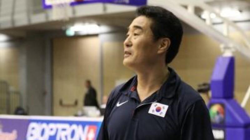 Dienvidkorejas izlases galvenais treneris Sungugs Lī Foto: latvia2011.fiba.com