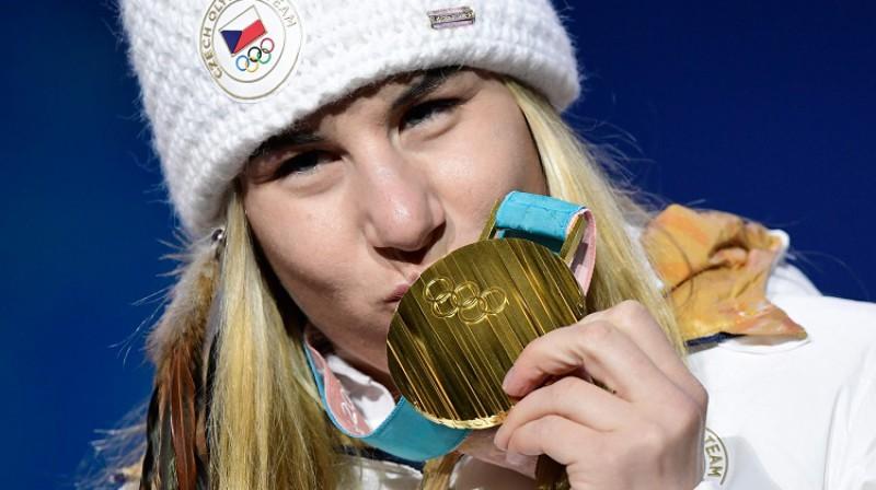 Estere Ledečka: čehu snovbordiste triumfē kalnu slēpošanā Foto: AFP/Scanpix