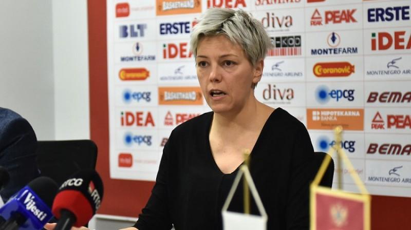 Jeļena Škeroviča preses konferencē 12. februārī Podgoricā. Foto: KSCG