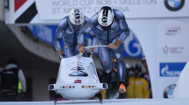 Oskars Ķibermanis un Matīss Miknis startā. Foto: Viesturs Lācis/bobslejs.lv