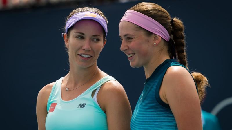 Daniela Kolinsa un Aļona Ostapenko. Foto: ZUMAPRESS/Scanpix