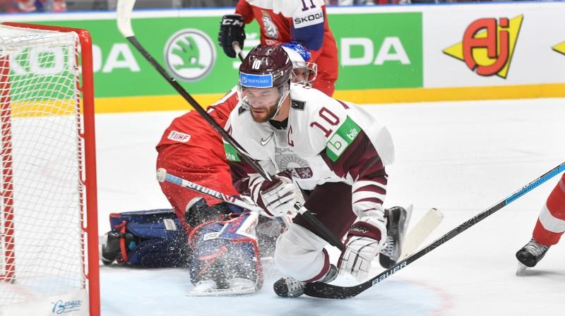 Lauris Dārziņš guva izcilus vārtus, bet uzvarai ar to izrādījās par maz. Foto: Romāns Kokšarovs/F64